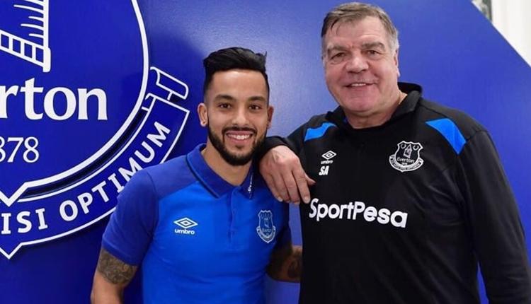Everton, Theo Walcott transferini açıkladı