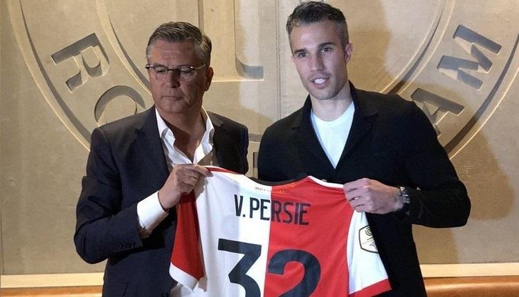 Fenerbahçe'den ayrılan Van Persie, Feyenoord'a imzayı attı