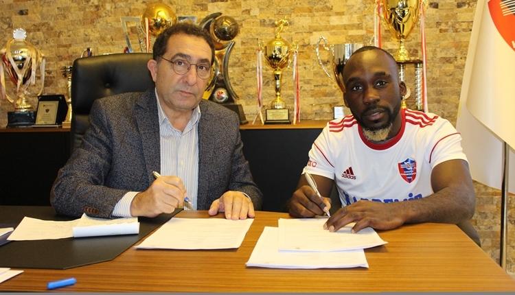 Karabükspor yeni transferi Herve Kage ile sözleşme imzaladı