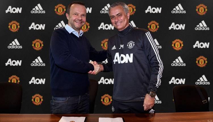 Manchester United, Jose Mourinho ile sözleşme yeniledi