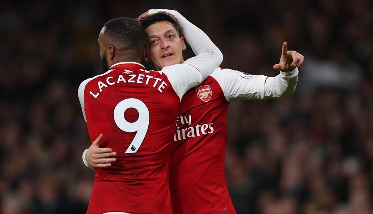 Mesut Özil, Arsenal'da ayın futbolcusu seçildi