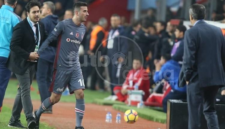 Oğuzhan Özyakup kulübede çıldırdı! Antalyaspor maçında...