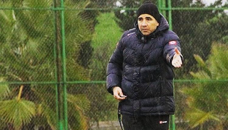 Osman Özköylü futbolcularına çattı!