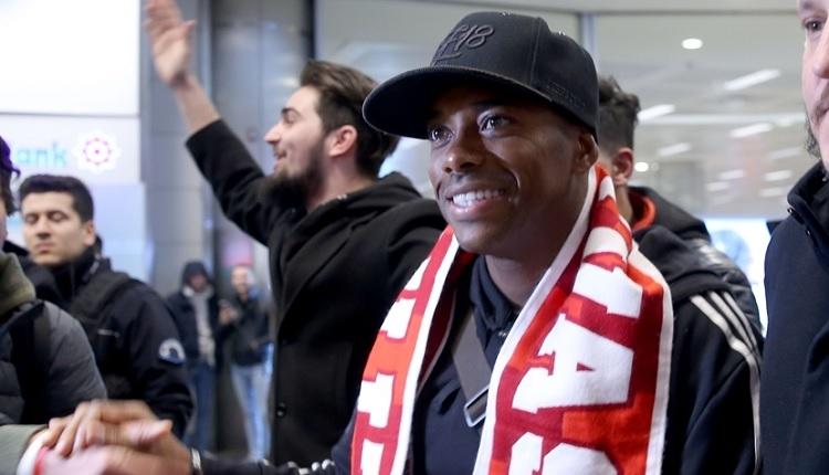 Sivasspor'un yeni transferi Robinho, Türkiye'de! İşte ilk sözleri