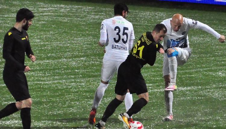 Adana Demirspor - İstanbulspor maçı tatil edildi!