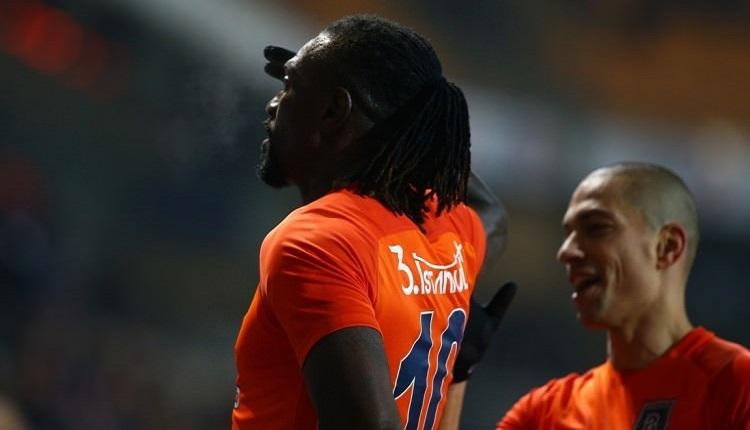 Adebayor'u Trabzonspor taraftarları alkışladı! Gol sonrası...