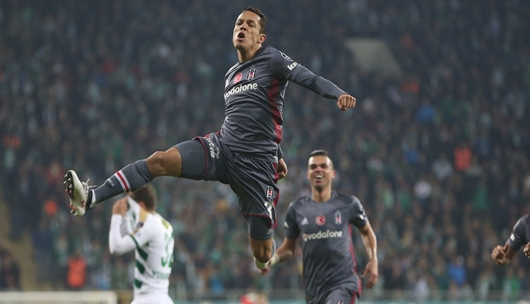 Adriano'dan Bursaspor'a müthiş gol! Siftah yaptı