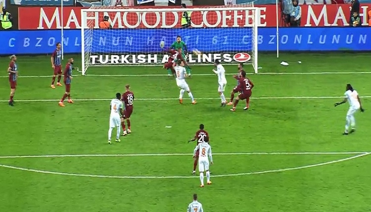 Arda Turan'ın Trabzonspor'a attığı gol iptal edildi! Büyük tepki