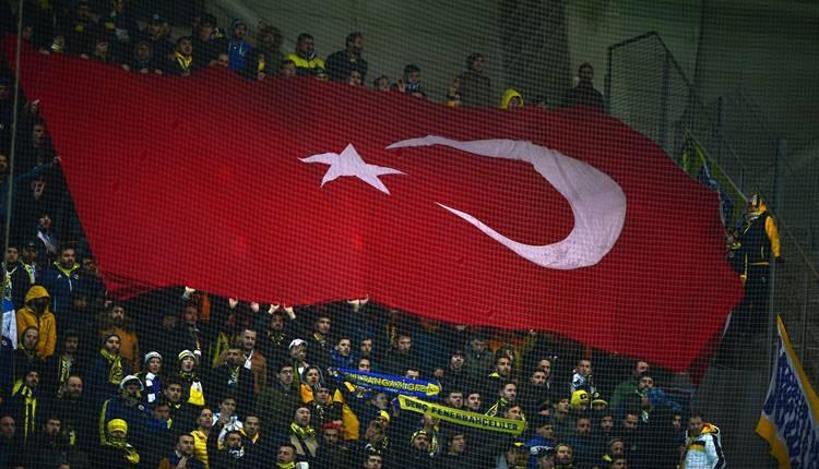 Başakşehir - Fenerbahçe maçında şehitlerimiz unutulmadı