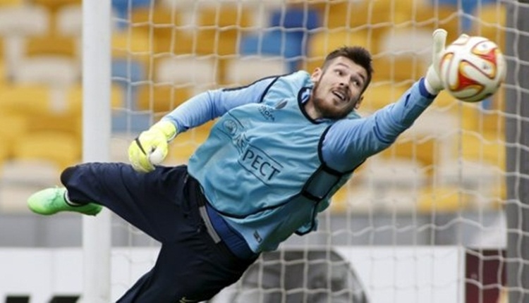 Denys Boyko, UEFA Avrupa Ligi'nde tur atladı! Dinamo Kiev...