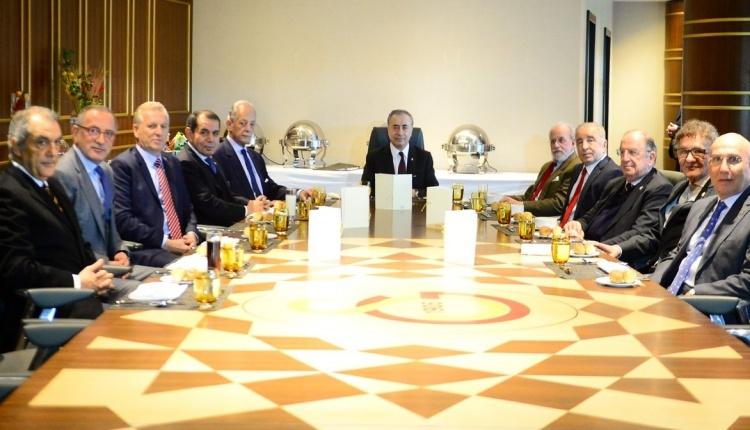 Galatasaray'da başkanlar toplandı
