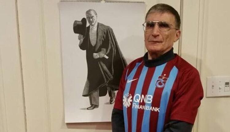 Nobel ödüllü Aziz Sancar'dan Trabzonspor pozu