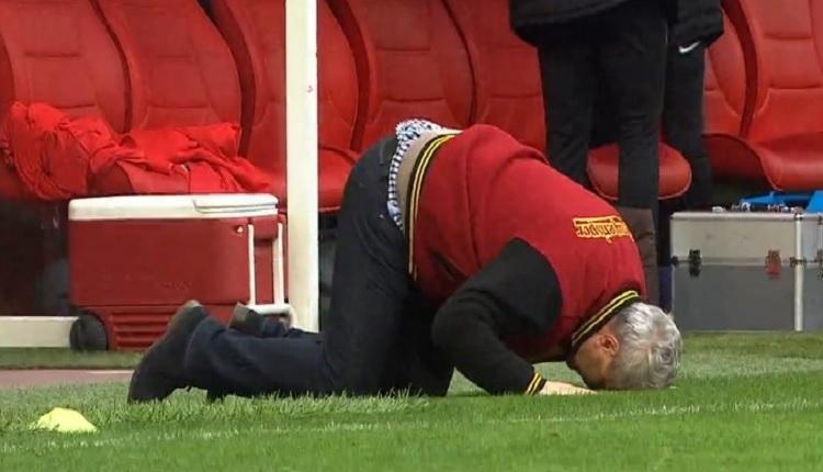 Sumudica Kasımpaşa maçında gol sonrası secdeye yattı