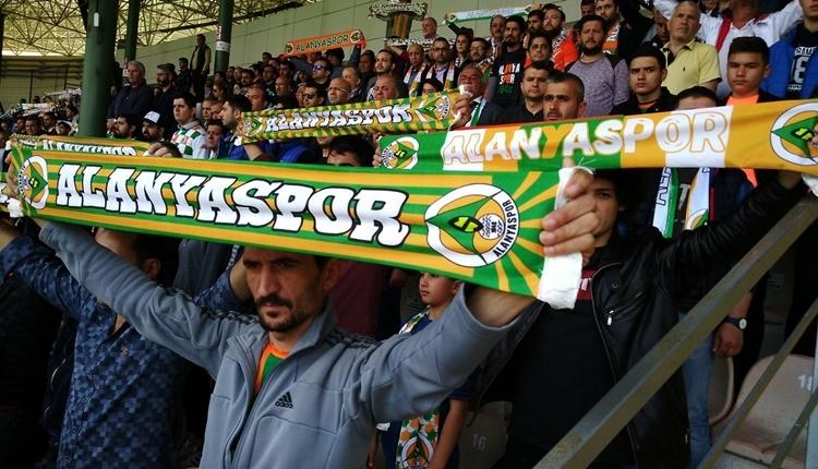 Alanyaspor Göztepe maçında tartışmalı penaltı pozisyonu