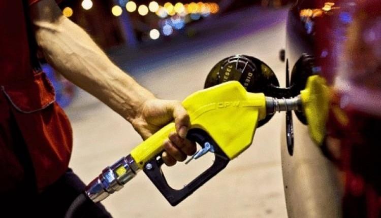 Benzine rekor zam geldi mi? Araç sahiplerine şok haber! (Benzin Fiyatları 20-21 Mart 2018)