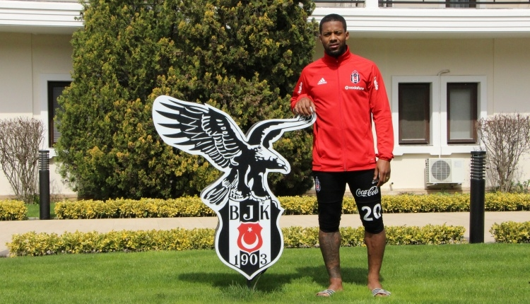 Beşiktaşlı Jeremain Lens'ten Fenerbahçe'ye taş