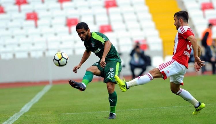 Bursaspor, Sivasspor'a karşı üstün ()