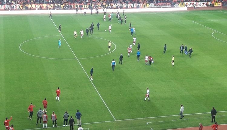 Eskişehirspor taraftarları Altınordu futbolcularına saldırdı