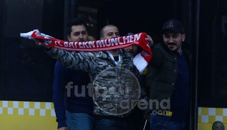 Fenerbahçe taraftarından Beşiktaş'a atkılı gönderme!