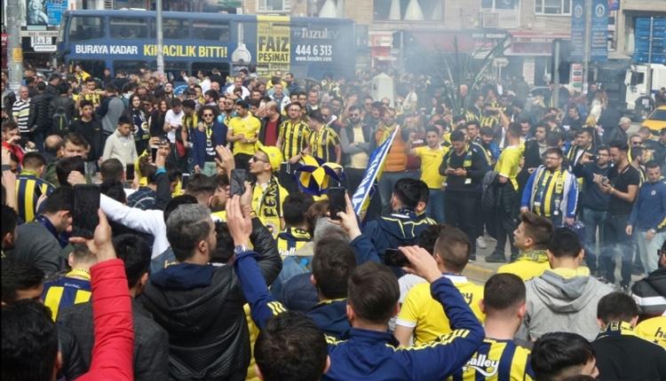 Fenerbahçeliler stat çevresinde toplanmaya başladı