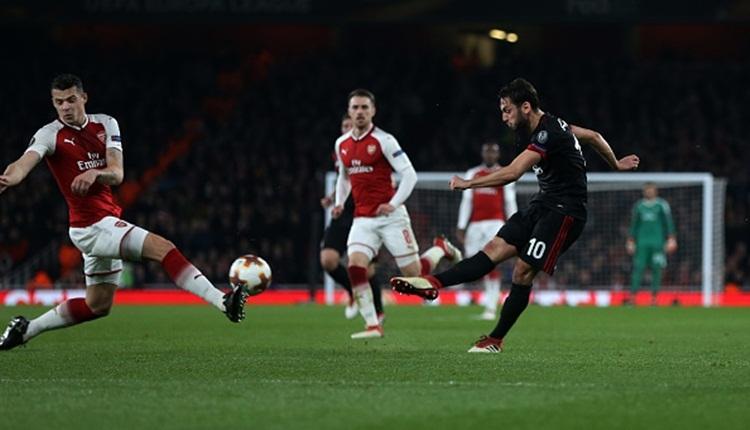 Hakan Çalhanoğlu'ndan Arsenal'e müthiş gol! Adeta füze (İZLE)