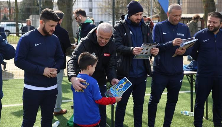 Oğuz Çetin ve Mustafa Doğan Köln Fenerbahçeliler derneğinde