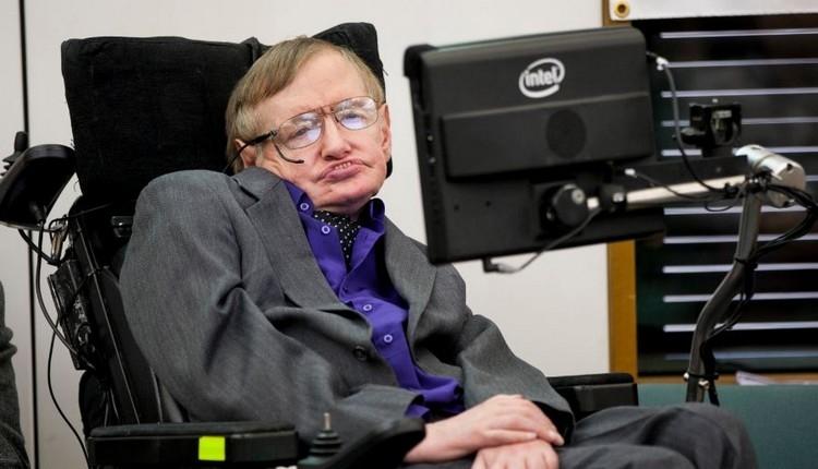 Stephen Hawking futbolda penaltının formülünü paylaşmıştı (Stephen Hawking kimdir, kaç yaşındaydı?)