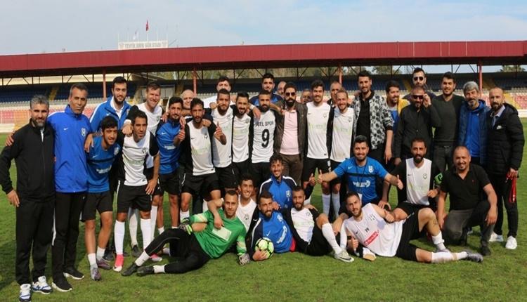 Ünlü futbolcularından İçelspor'a tebrik yağdı