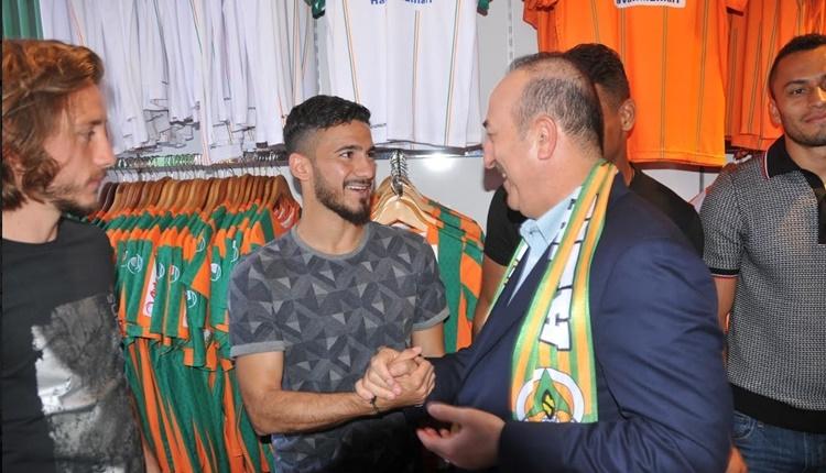 Alanyaspor'un mağazasını Mevlüt Çavuşoğlu açtı