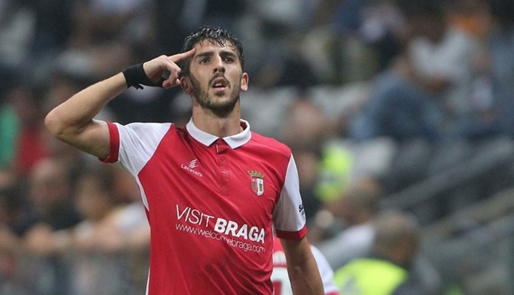 Beşiktaş için transferde Paulinho iddiası