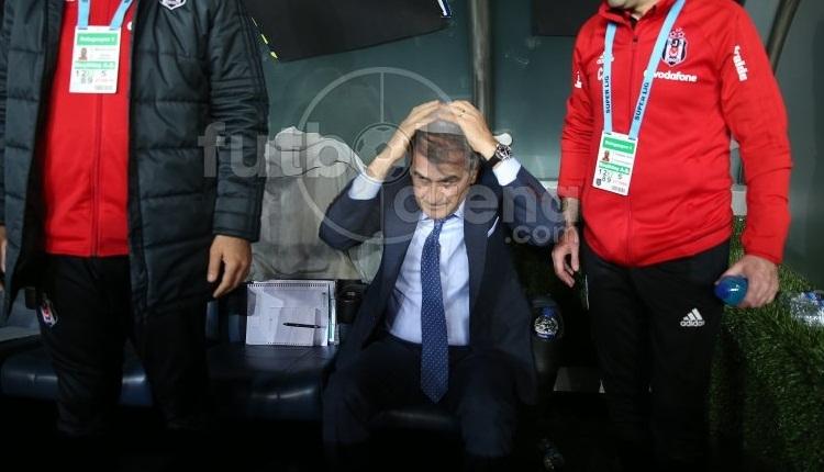 Beşiktaş taraftarları Şenol Güneş'in kaldırıldığı hastaneye akın etti