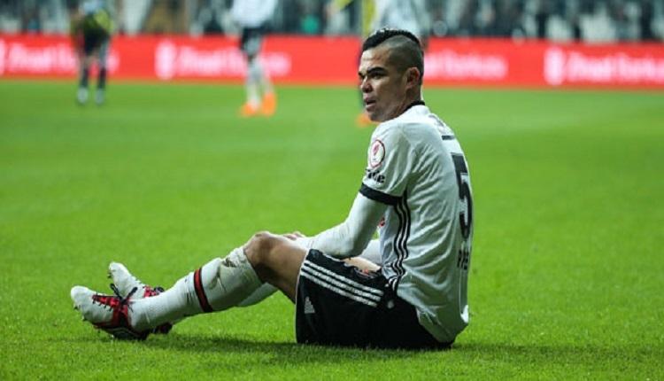 Beşiktaşlı Pepe Galatasaray derbisinde sakatlandı
