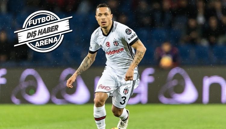 Beşiktaş'ta Adriano'dan flaş ayrılık açıklaması ''Ciddi şekilde düşünüyorum...''