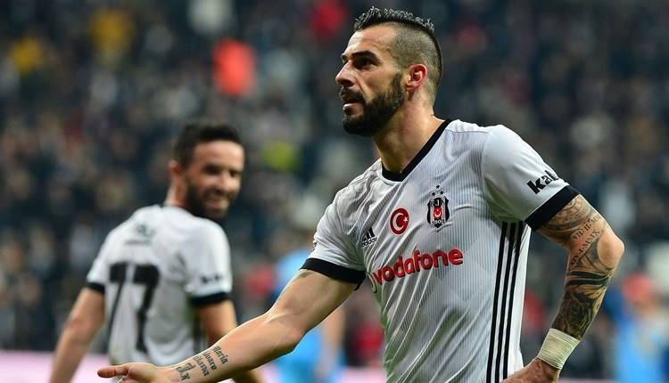Beşiktaş'ta Alvaro Negredo, Galatasaray derbisinde sakatlandı