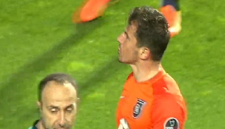 Emre Belözoğlu Yeni Malatyaspor taraftarlarına küfür mü etti? O an!