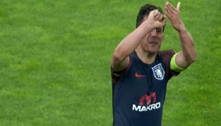Emre Belözoğlu'ndan Galatasaray maçında olay hareket