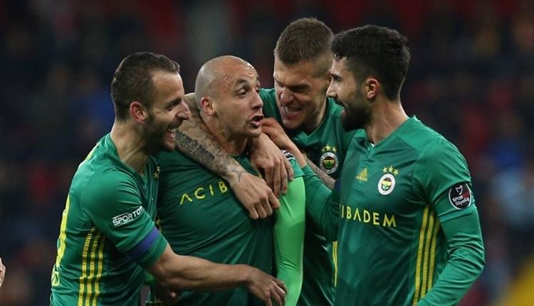 Fenerbahçe ligin deplasman lideri oldu