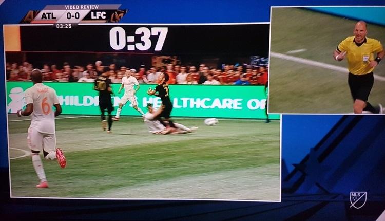 Kırmızı kart gördü, soyunma odasından geri çağrıldı! Atlanta United - Los Angeles FC maçına video hakem damgası