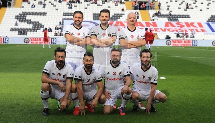 Mustafa Sandal ve Zafer Algöz, Vodafone Park'ta sahaya çıktı