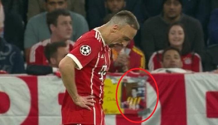 Ribery'ye Galatasaray yıllarını hatırlatan taraftar! (Bayern Münih 1-2 Real Madrid maç özeti ve golleri İZLE)