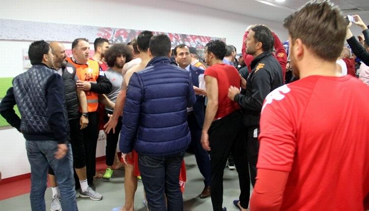 Samsunspor - Denizlispor maçında olay çıktı! Hakem odasına girmeye çalıştılar