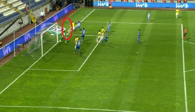 Valbuena'nın Kasrımpaşa'ya golünde Kasımpaşa'dan yoğun itiraz