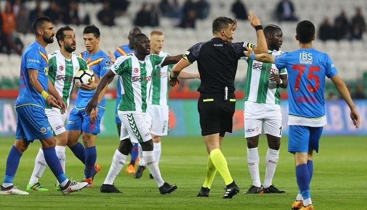 Atiker Konyaspor ligde kalmayı garantiledi