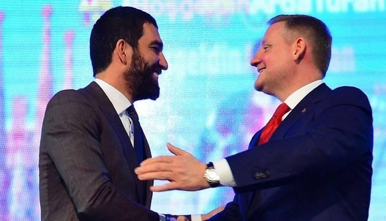 Başakşehir Kulübü'nden Arda Turan ve Mossoro'ya para cezası
