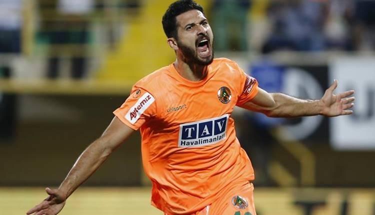 BJK Transfer: Beşiktaş için transferde Emre Akbaba ve Okay Yokuşlu iddiası