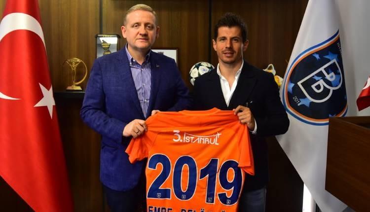 Emre Belözoğlu bir sezon daha Başakşehir'de!