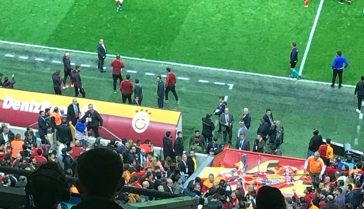 Fatih Terim tribündeki taraftara çok sinirlendi! (Galatasaray - Yeni Malatyaspor maçı)