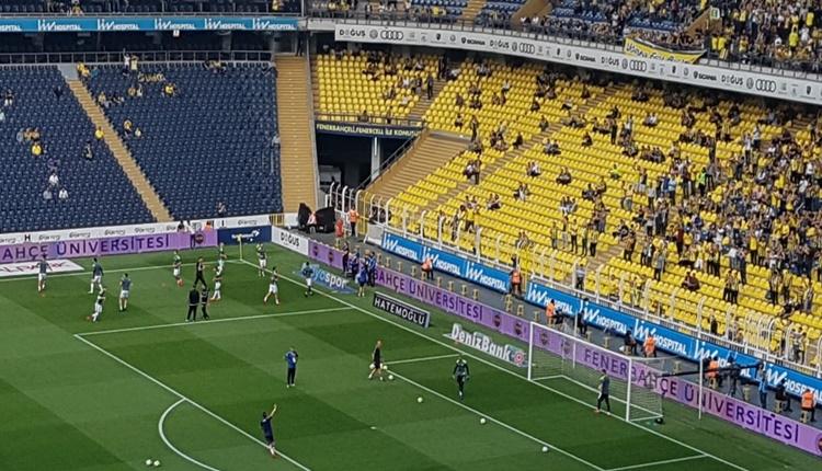 FB Haberi: Fenerbahçe tribünleri boş kaldı