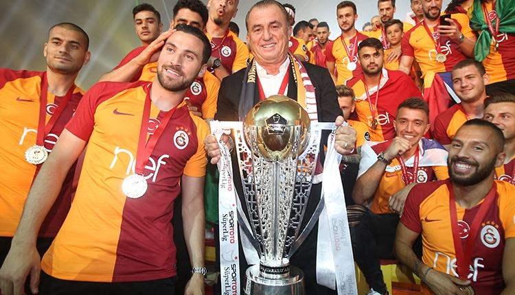 Galatasaray Süper Lig şampiyonluk kupasını aldı