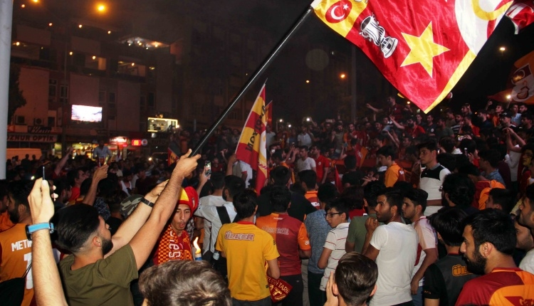 Galatasaray'ın şampiyonluk kutlamaları (Adana, Iğdır, Şanlıurfa, İstanbul, Ankara, Köln)